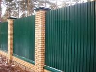 Забор из профнастила зеленый